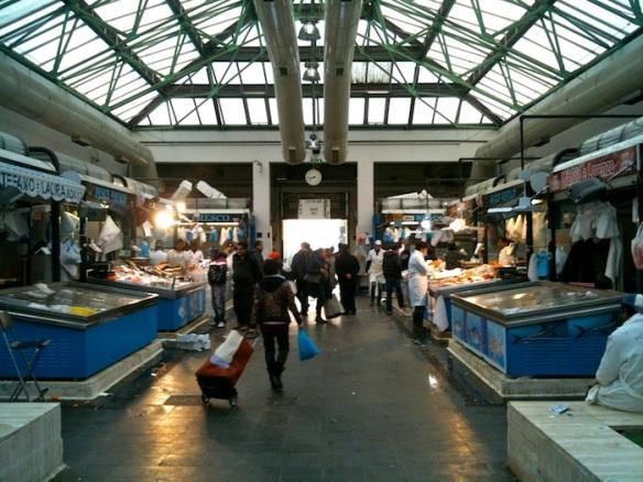 mercato piazza vittorioIMG_4940